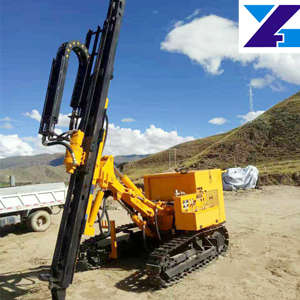 Large crawler DTH drill carriage